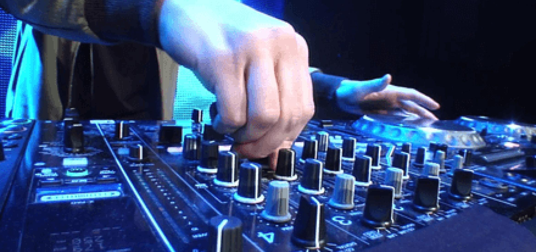 DJ minden partybusz bérleti díjban