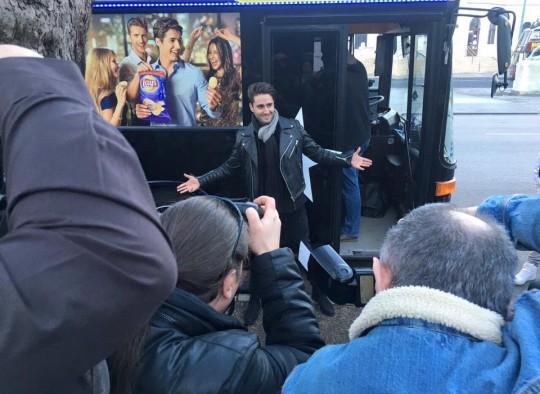 Király Viktor sztárvendég a partybuszon