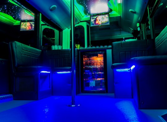 Neoplan partybusz belso kep_4